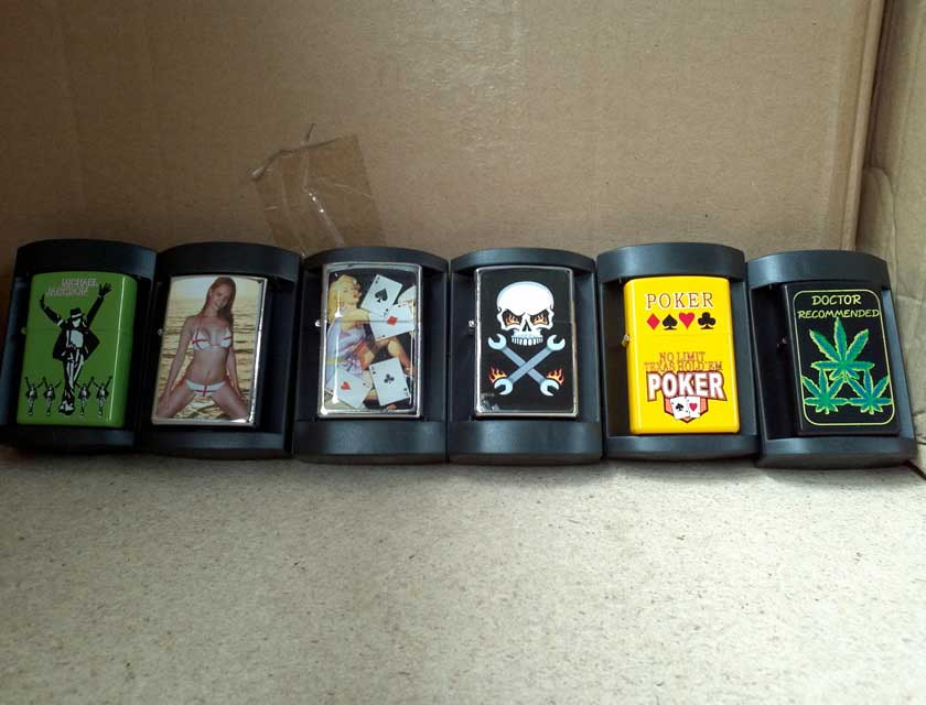 Oil Lighters in Gift Case - $1.00ea Miniumum 300pcs, Mixed Pictures